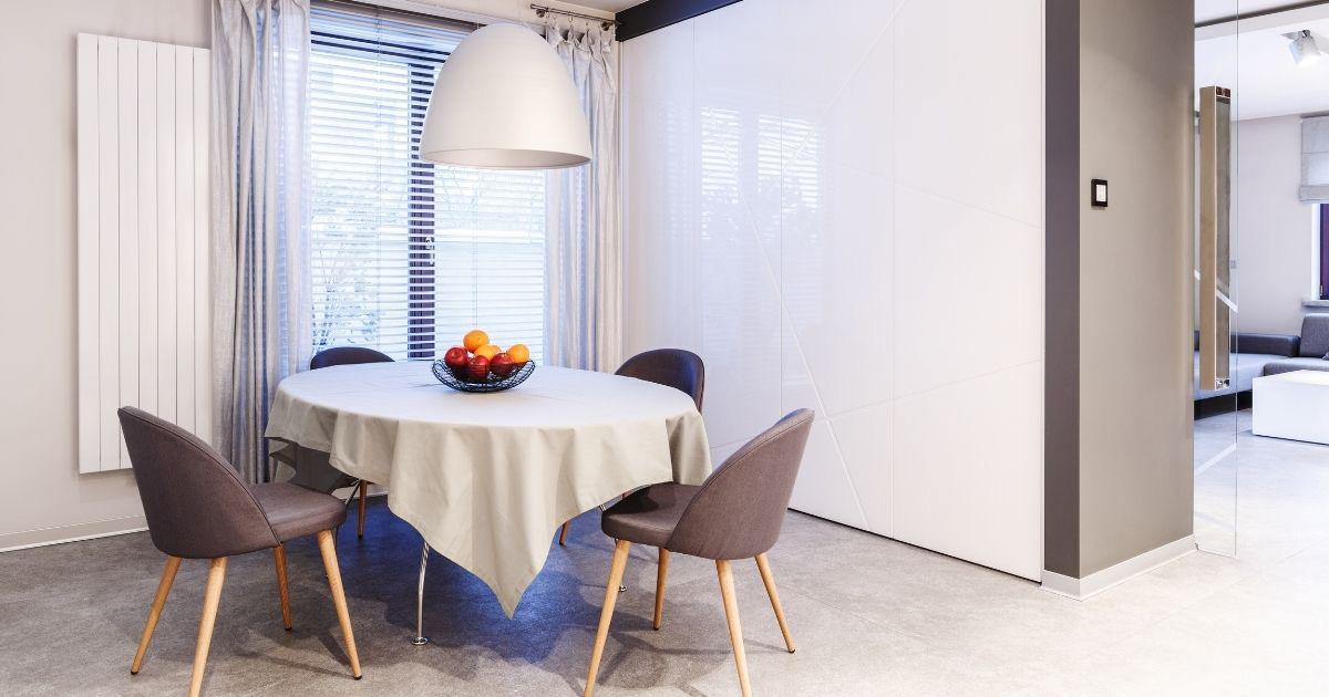 Sala de Jantar com Persianas